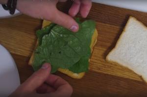 Сэндвич с ветчиной и сыром - 0