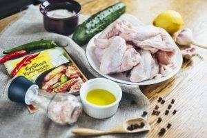 Крылышки барбекю с соусом дзадзики - 0
