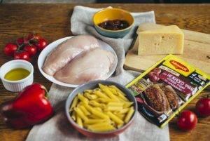 Теплый салат с пастой, курицей и сладким перцем - 0