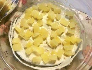 Нежный салат с курицей и ананасом - 0