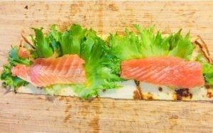 Рулетики из лосося со сливочным сыром - 0