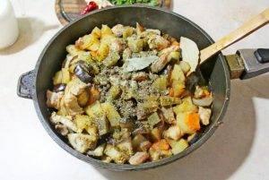 Тушеное мясо с овощами - 1