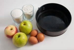 Шарлотка с яблочной начинкой - 0