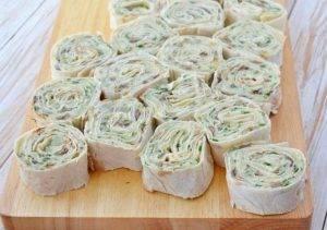Рулетики из лаваша с картофелем, грибами и зеленью - 2
