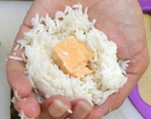 Онигири с лососем - 0