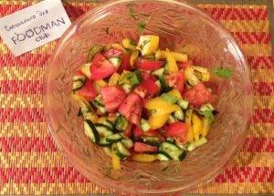 Свежий овощной салат с соевым соусом и кинзой - 2