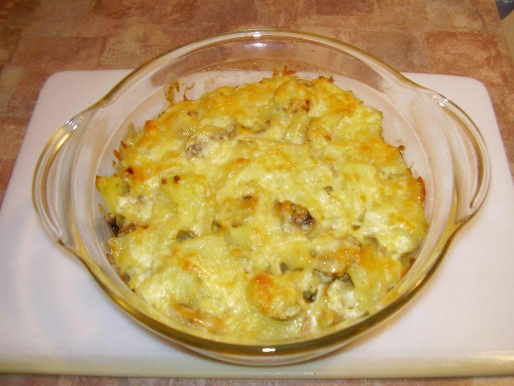 Грибы с картошкой в духовке целиком