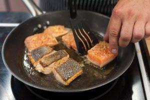 Филе лосося с пюре из зеленого горошка - 2