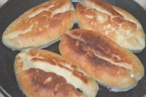 Пироги с зеленым луком и яйцами - 1