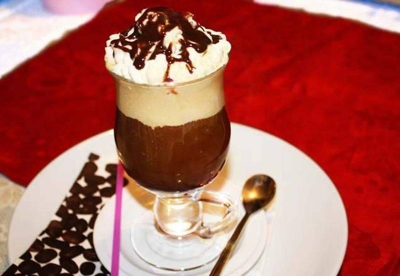 Рецепт Кофе гляссе со сливками