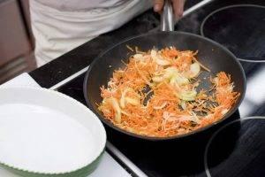 Запеченный судак с овощами и сметаной - 1