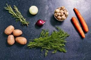 Салат из маринованных шампиньонов с картофелем - 0