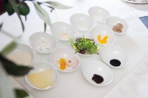 Хориатики с листьями салата и креветками - 0