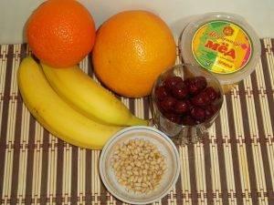 Фруктовый салат с медом и орешками - 0