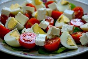 Салат с рукколой и помидорами черри - 0