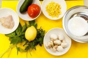 Салат с куриным филе и овощами - 0