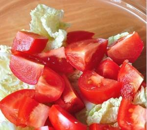 Салат с копченой куриной грудкой, кукурузой и китайской капустой - 0