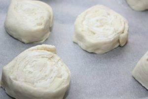 Сырные булочки из слоеного теста - 0