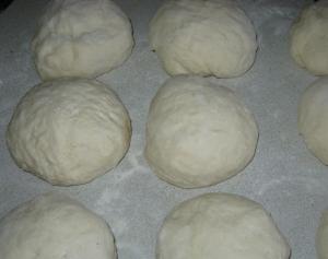 Сырная лепешка с ветчиной и чесноком - 0