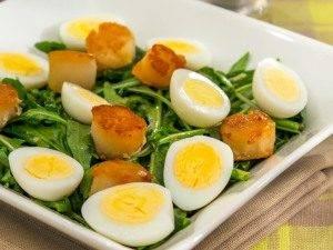 Салат с морскими гребешками и рукколой - 5