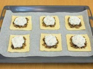 Тарты с грибами под сметанно-сырным соусом - 2
