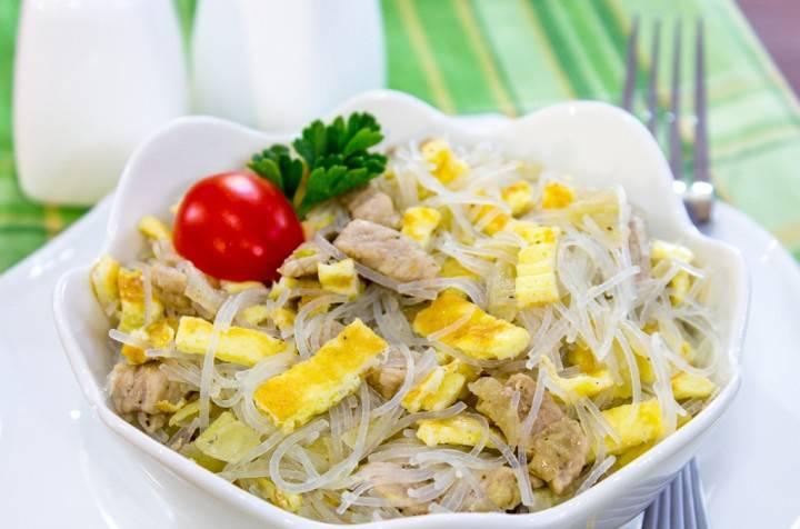 Из указанного количества ингредиентов получается 6–8 порций.