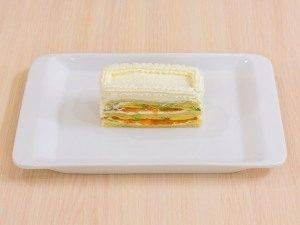 Закусочные пирожные из слоеного теста, форели и авокадо - 5