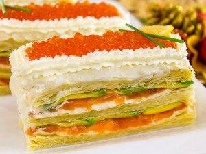 Закусочные пирожные из слоеного теста, форели и авокадо - 6