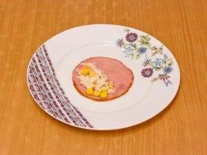 Бутерброды с рулетиками из ветчины и салатом - 5