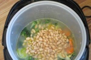 Суп-пюре из брокколи с белой фасолью - 2