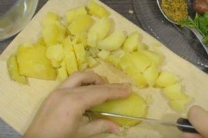 Немецкий картофельный салат с охотничьими колбасками - 1