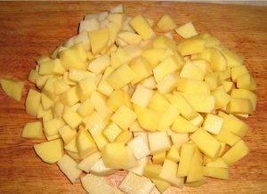 Домашний суп с макаронами, мясом и картофелем в мультиварке - 2