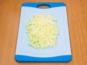 Салат с селедкой, картофелем и яблоком - 2