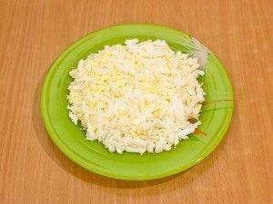 Салат с селедкой, картофелем и яблоком - 5