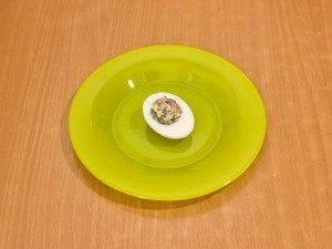 Фаршированные яйца с соленой горбушей - 2