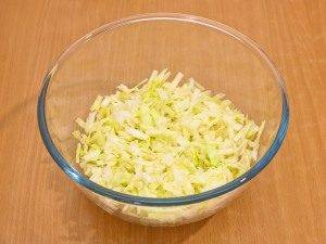 Салат с кукурузой и капустой - 2