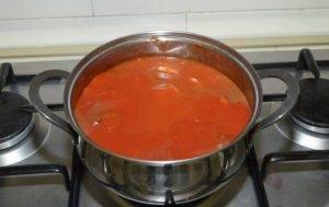 Гуляш из свинины в томатном соке - 1