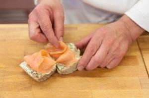 Бутерброды с семгой и укропом - 1