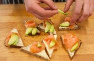 Бутерброды с семгой и авокадо - 1
