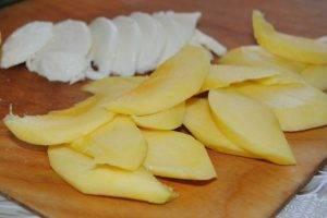 Фруктовая закуска с сыром и орехами - 1