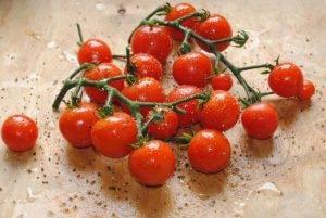 Куриные ножки с помидорами и сыром в духовке - 1