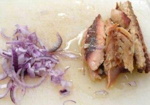 Салат под шубой со скумбрией - 1