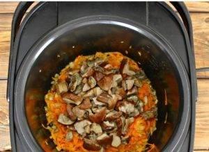 Суп из замороженных грибов в мультиварке - 1