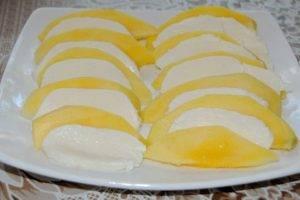 Фруктовая закуска с сыром и орехами - 2