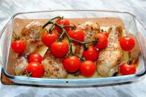 Куриные ножки с помидорами и сыром в духовке - 2