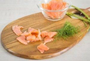 Закуска из цикория, копченого лосося и горошка - 2