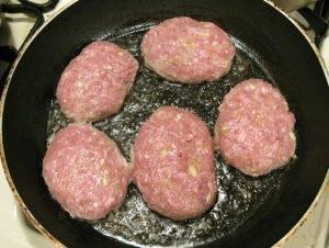 Котлеты из свиного фарша с кабачками - 2