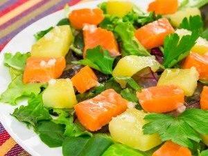 Салат с горбушей и картофелем - 6