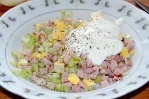 Фаршированные яйца ветчиной и сельдереем - 3