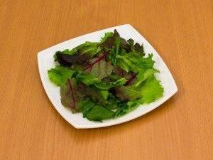 Салат с помидорами и тунцом - 3